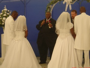 Double wedding after Katrina