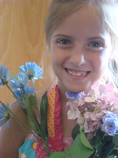 wedding-flower-girl
